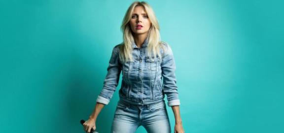 Nikki Osborne | Live @ Comic's Lounge
